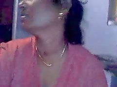 Southindian Tamil Aunty's Smart BJ Soft Boobs exposed Clip
