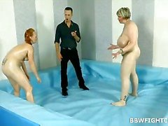Naked BBWs paini