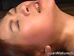 D'âge mûr La masseuse de Mina Toujou Partie 1