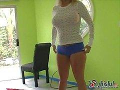Stripping & Posing On Cam Girls