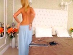 amatör arwyn blinkande bröst på live webbkamera