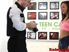 Real adolescente recebe seu bichano peludo hardfucked
