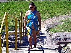 Brazilian vaimonsa vilkkuva rannalla oleva
