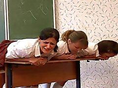 3 Russian школьницы камышом