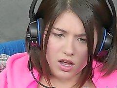 Gamer Lesbian Shyla Jennings