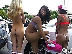 Rivo suuseksiä strippers
