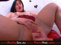 Squirting : Elle ejacule comme une grosse salope !