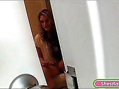 Azgın GF Brianna OShea tuvalet Odadaki masturbating yakalanan