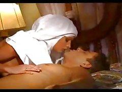 So helfen Nonnen inder Realitaet