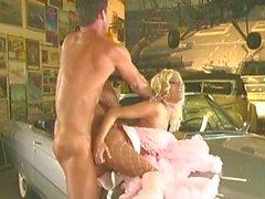 Chloe Jones - i garaget