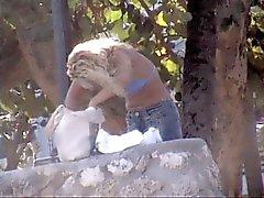 Blonden im blauen String am South Beach