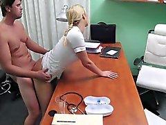 FakeHospital Hemşiresi pimi ereksiyon halini almanıza yardım