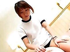 Con subtítulos Facesitting de femdom de colegiala Japanese