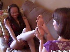 Lorianna loves worshiping Shilos sexy feet