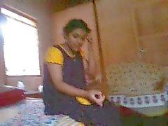 Bangla de desi bhabi de Rima tomar um risco de a exibir Devar