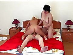 Amateur Wife, Yatarken Teen Couple'e Katıl - LostFucker