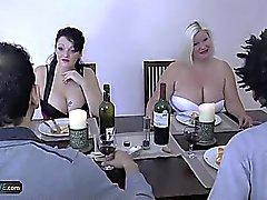 AGEDLOVE Granny chubby Lacey Star conheceu seus amigos