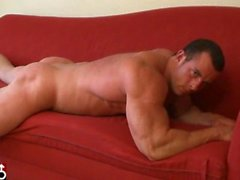 Horse Hung Bodybuilder and Muscle Hunk Damen Rockford Jacks Off His Big Coc