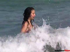 Les filles nues de plage cachées viennent xposed