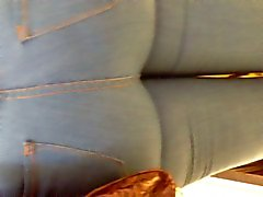 Super großes dick Milf den Arsch in Blue Jeans