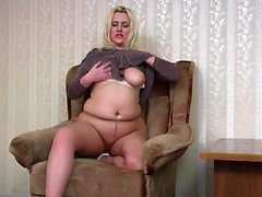 Blonde chick Carmen Cocks hot solo masturbation on the chair