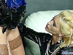 Gloryhole лесбиянка фистингом влажной ящик