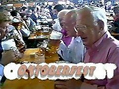 Kaksi saksalaista Grandpas Sucking n Pano