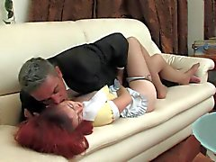 Redhead maid gefickt zu