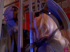 Blondies Nina Elle knullade av BBCEN