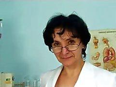 Granny vid Läkare