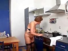 Mormor Martha i köket