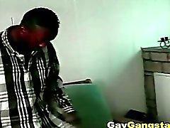 Chaud Noire gai Gangsta faire anale baise en plein air