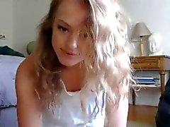 Unglaublich jungen Blondine verdammte Dildo