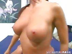 Hot total Mütter schmutzigen Sex