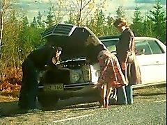 Vasenta vaimonsa Road