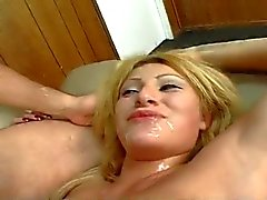 Latina Alexia Fucked Op Laag