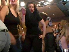 Mejillas se en el club de follada strip bailarín