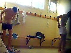 Dos chicos hot desnudos del lockerroom