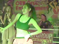 Danzatore sexy thailandese