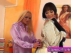 Puettu glamor lesbot kuorinta
