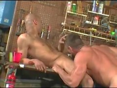 Garage Isot Dickin Painonapit Threesome