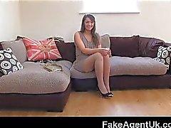 FakeAgentUK - Squirting dalla fiche pelose