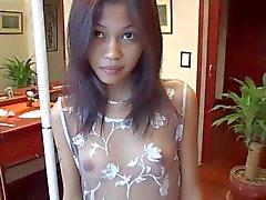 Sexy naakt alleen - mijn petite vriendin Chie 20 .