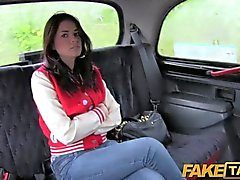FakeTaxi - Royaume-Uni chav obtient son le cul fessée