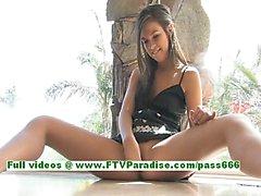 Di Brooke sexy del del brunette pulcini dei ditalini e in giocherellando la figa