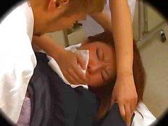 Giapponese per fica pelosa scopare da ginecologo