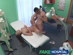 FakeHospital teknikeren betalade med kuk