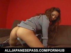 Misa Tsuchiya gli lecca giocattoli erotici lei si scopa l' con il