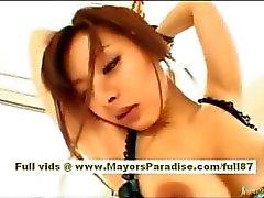 Koisaya Aasian malli on paikalleen kiinnitettynä saa häntä pussy kiusoitteli