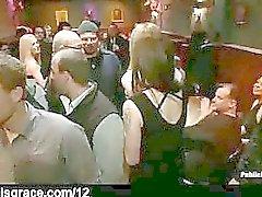 Lukittuna blondi hapuilla bar